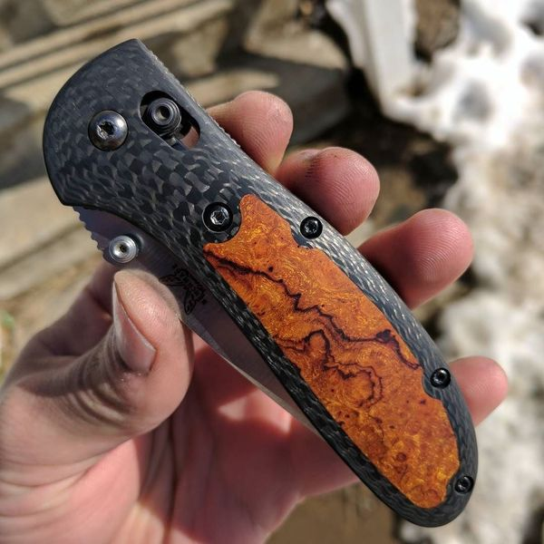 Benchmade - Some carbon fiber and ironwood today. #Benchmade #DeathGripScales #edcknivesandtools #griptilian #customscales #customknives #edc #edcknives #knifeporn...
