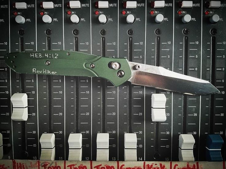 Benchmade - Today's knife. Working on some youtube videos for the church at the sound booth. . . . #edc #everydaycarry #knifepic #knifeknut #benchmade #axislock...