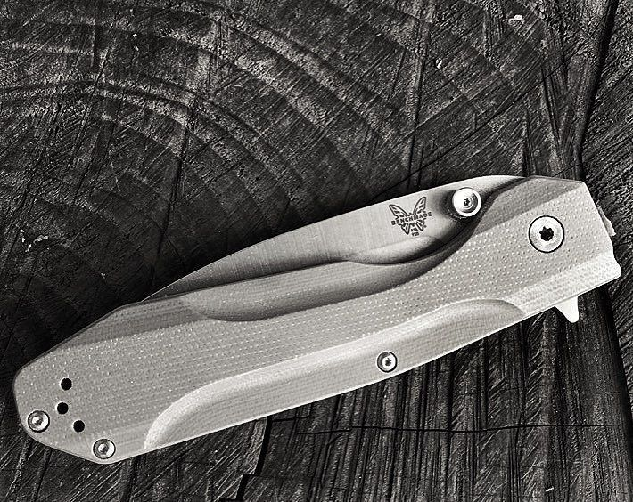 Benchmade - Bill thelonewolf.edc tagged me for a #blackandwhitechallenge I will pass the challenge to dryflyfisher76 pr4ctically_sh4rp and essentialcarry #mybenchmade...