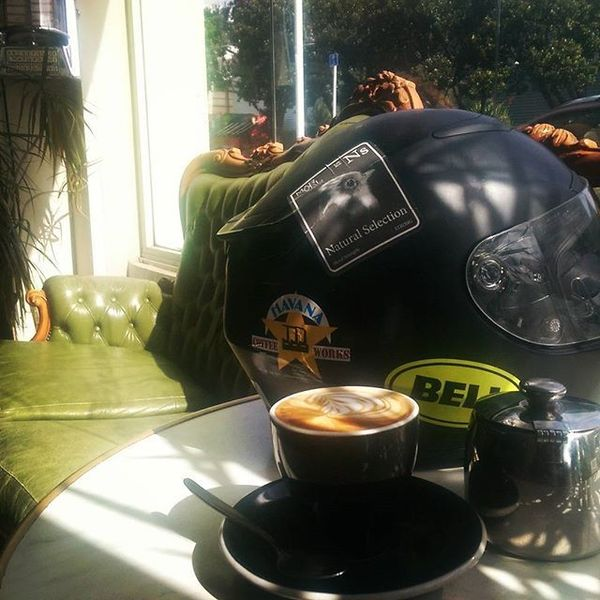COFFEEUFEEL - #helmet #bellhelmets #coffee #havanacoffeeworks My morning is......